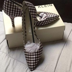 Anne Klein heels (never worn)